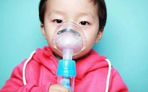 Ho nhiều không sốt là một biểu hiện của hen phế quản