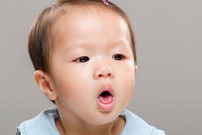 Trẻ bị ho sẽ có cảm giác khó chịu, mệt mỏi, ảnh hưởng đến sức khỏe và sinh hoạt