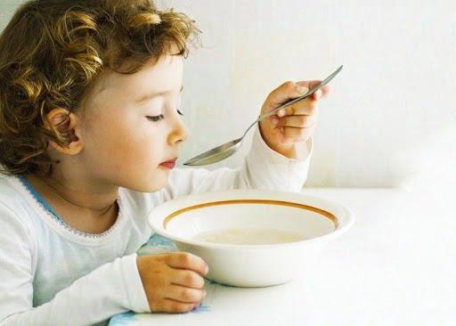 Trẻ ho nên ăn đồ ăn dạng mềm
