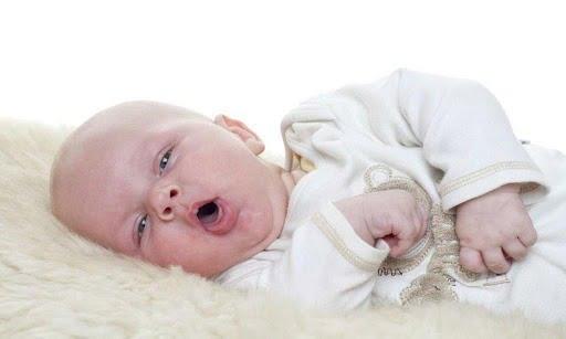 Trẻ sơ sinh bị ho mẹ nên ăn gì