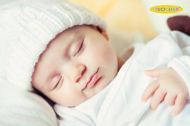 Giữ ấm cơ thể cho bé