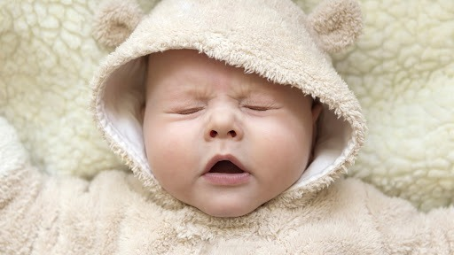 Trẻ sơ sinh bị nghẹt mũi và ho