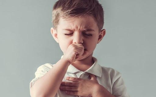 Hệ miễn dịch trẻ còn yếu nên dễ nhạy cảm với tác nhân gây bệnh