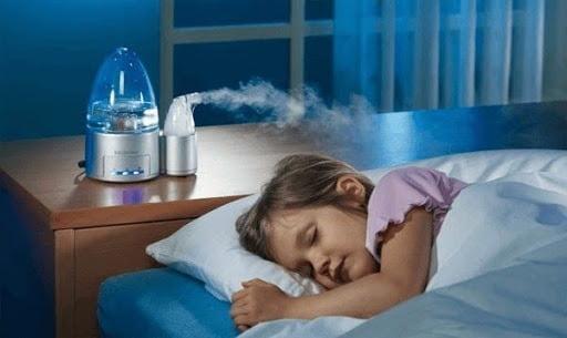 Tăng cường độ ẩm trong phòng giúp bé cảm thấy dễ chịu hơn