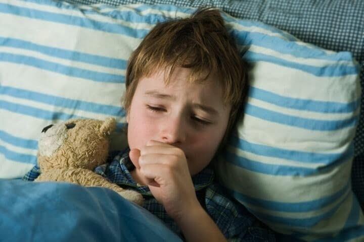 Trẻ ho nhiều về đêm nhưng không sốt