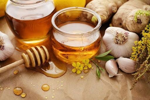 Cách làm tỏi mật ong chữa ho cho bé