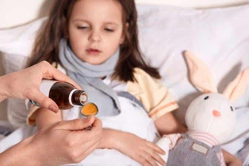 Điểm danh 6 loại siro trị viêm họng cho bé tốt nhất