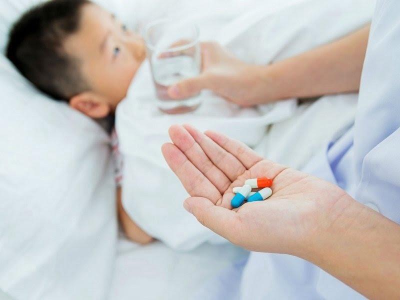 Thuốc kháng sinh trị ho, sổ mũi cho trẻ