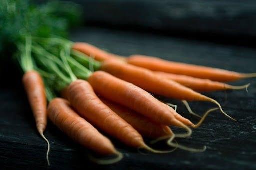 Cà rốt giàu vitamin và khoáng chất,... tốt cho trẻ em bị viêm phế quản