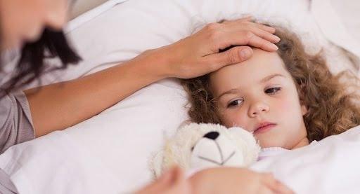 Hãy đưa trẻ đến gặp bác sĩ khi tình trạng bệnh của con trở nên nặng hơn