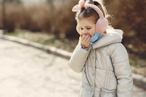 Trẻ ho khan: Giải mã 7 nguyên nhân gây ho và cách chăm sóc hiệu quả