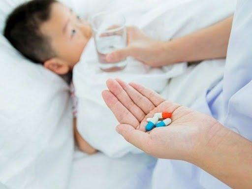"""""""Xử"""" nhanh cơn ho dai dẳng với các loại thuốc viêm họng cho bé"""