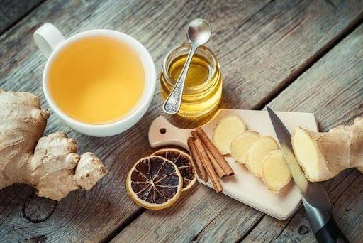 Mật ong có tác dụng giảm đau, ngứa rát cổ họng hiệu quả