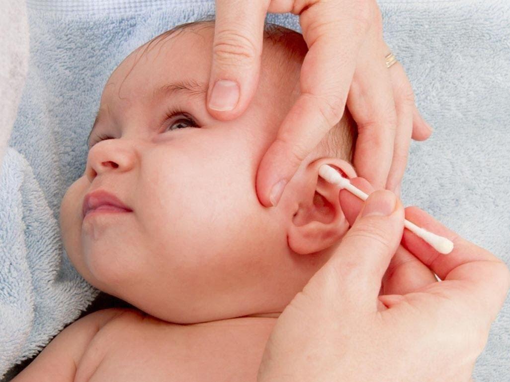 Cách vệ sinh tai cho trẻ bị viêm tai giữa