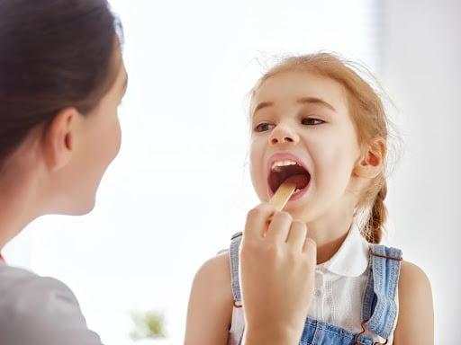 Giải đáp mọi thông tin về viêm amidan ở trẻ em