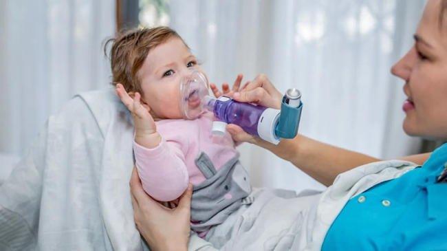 Cách chữa suyễn dạng ho tương tự như cách điều trị hen suyễn thông thường