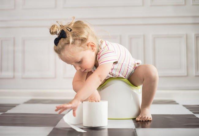Guaifenesin, kali iodide, fructose và sorbitol,... trong thuốc ho có thể khiến bé bị tiêu chảy