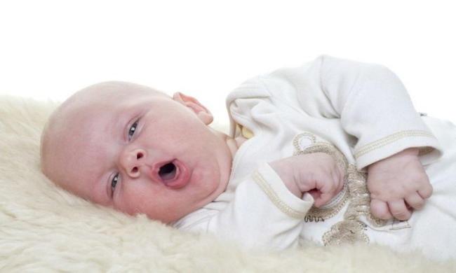 Tuyệt đối không tự ý cho bé dưới 2 tuổi uống thuốc ho
